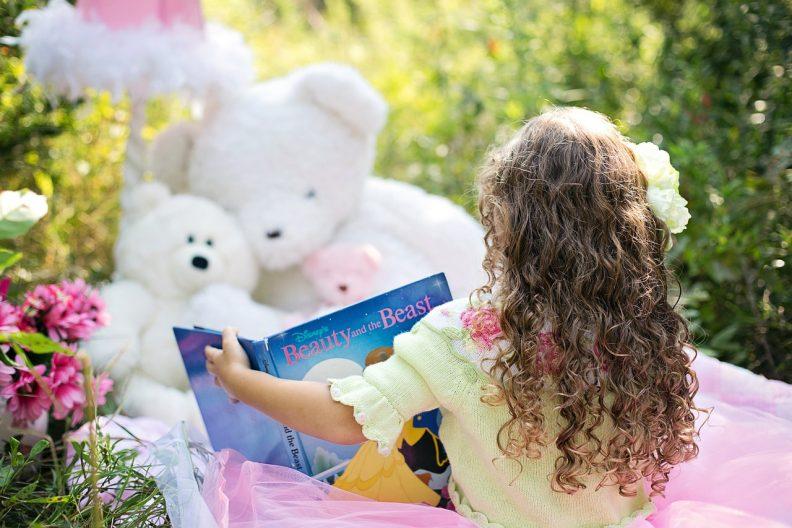 Activité d'été enfant pas chère : de la lecture