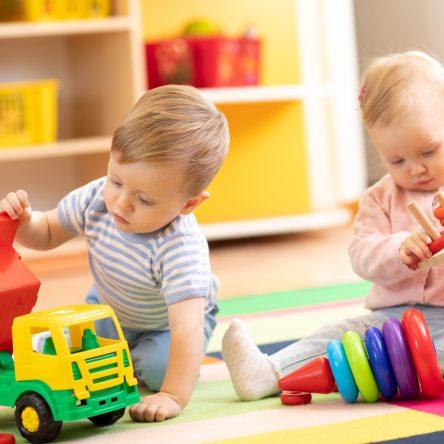 A 2 ans, vivre dans un collectif d'enfants