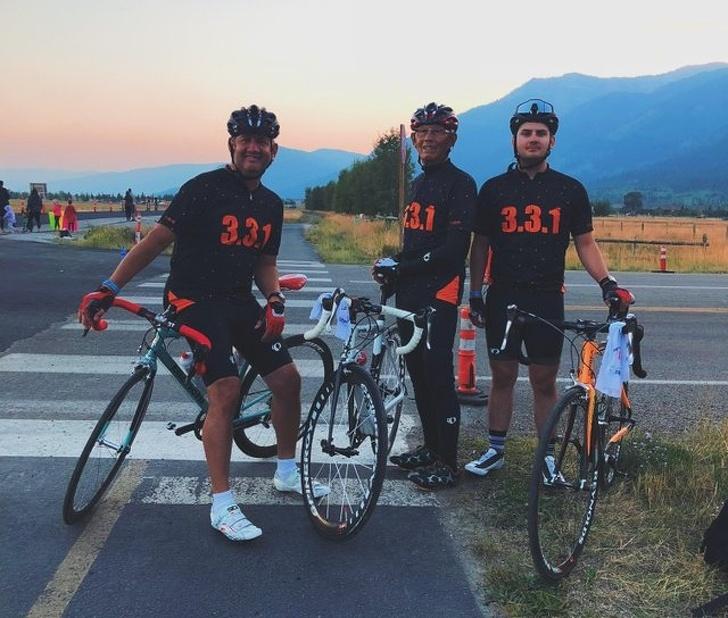3 générations de sportifs réunis autour d'une épreuve d'endurance à vélo