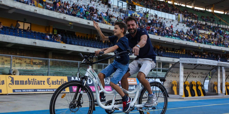 Hugbike : un tandem dédié aux enfants autistes pour allier vélo et sécurité