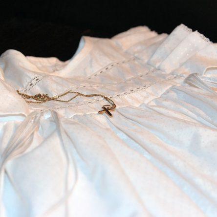 Médaille de baptême fille : les 5 règles pour bien la choisir