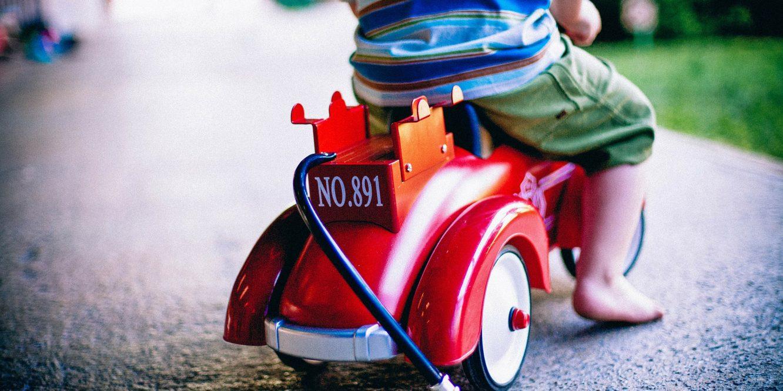 Porter bébé dans son siège auto favoriserait la descente d'organes chez les jeunes mamans