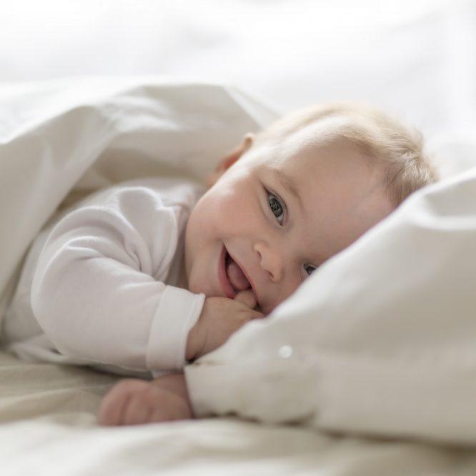 La tendance des pyjamas pour bébé à fermeture éclair